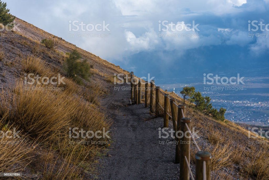 trail on a mountainside zbiór zdjęć royalty-free