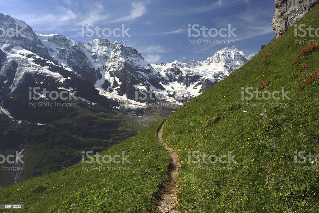 trail mit schneebedeckten Berge – Foto