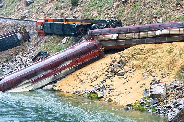 train derailed by landslide in wyoming - derail bildbanksfoton och bilder
