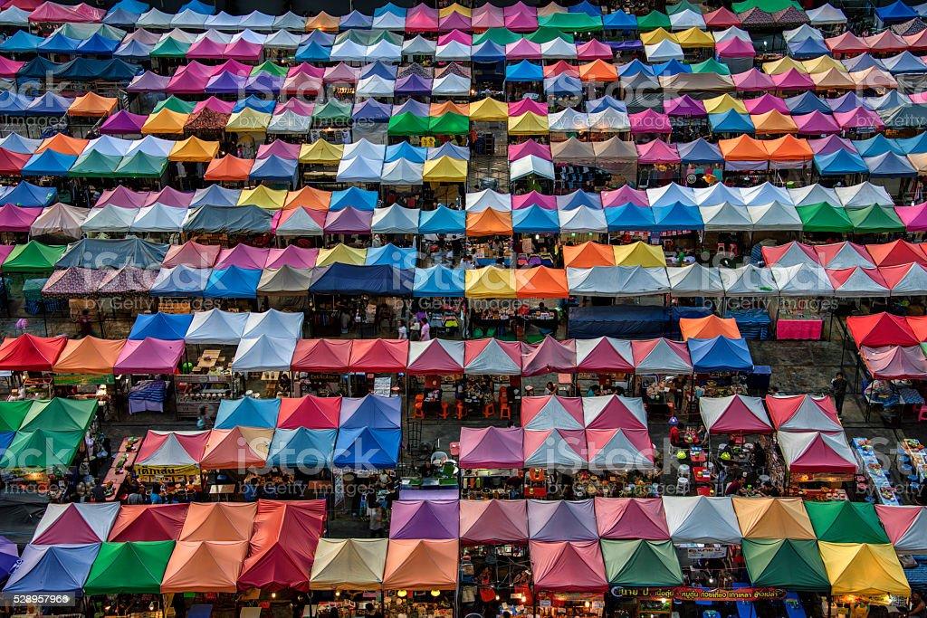 Train night market in Bangkok圖像檔