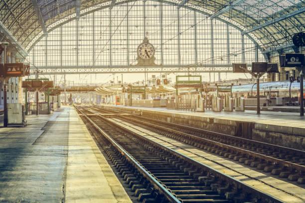 train station bordeaux-saint-jean - dworzec zdjęcia i obrazy z banku zdjęć