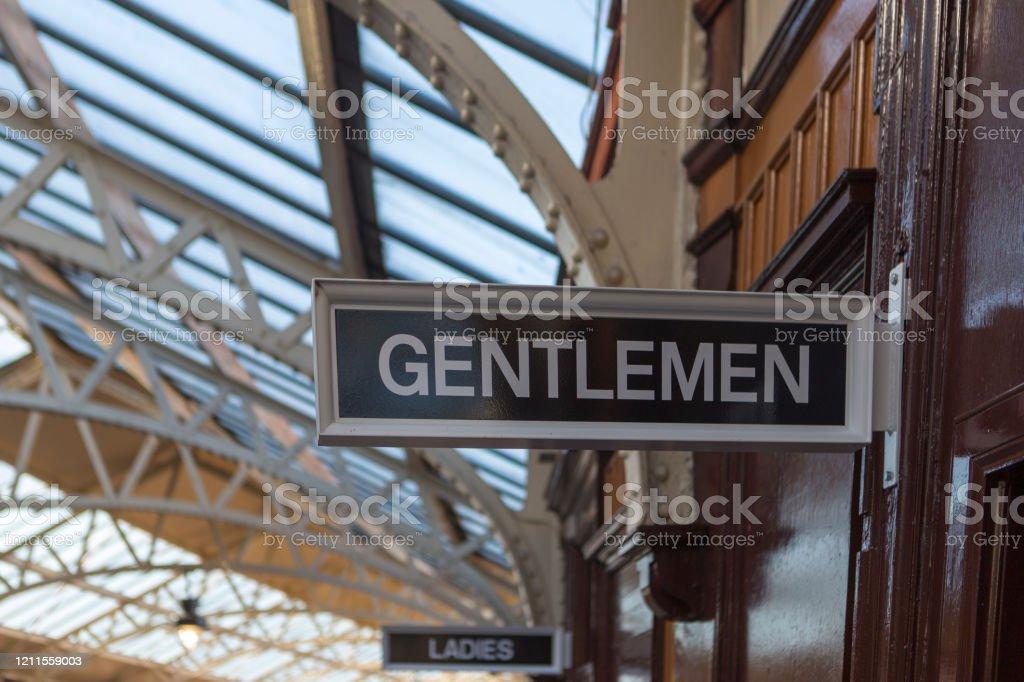 Tren istasyonu beyler glasgow İskoçya İngiltere İngiltere de wemyss bay merkez istasyonunda işareti - Royalty-free Banyo Stok görsel