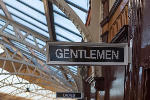 Tren Istasyonu Beyler Glasgow İskoçya İngiltere İngiltere De Wemyss Bay Merkez Istasyonunda Işareti Stok Fotoğraflar & Banyo'nin Daha Fazla Resimleri