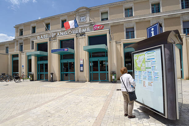 Gare ferroviaire d'Angoulême, France - Photo