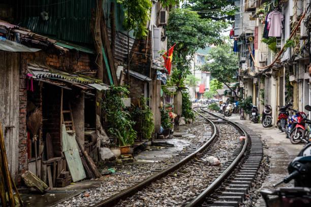 Train Street Hanoi Vietnam The Saigon to Hanoi Train line in Old Quarter Hanoi hanoi stock pictures, royalty-free photos & images