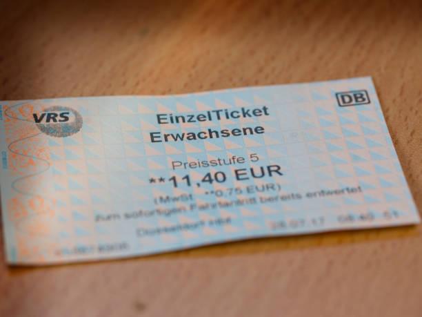 train ticket - gutschein bahn stock-fotos und bilder