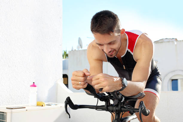 Training auf einem Spinning Bike. – Foto