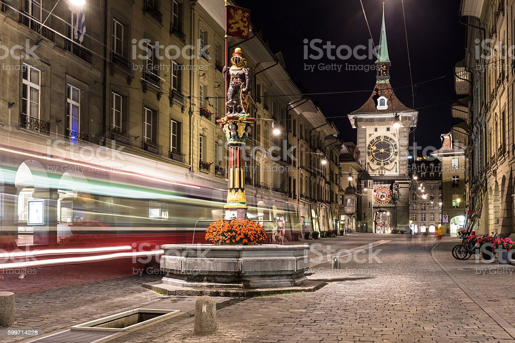 Tram rushes in the street of Bern – Foto