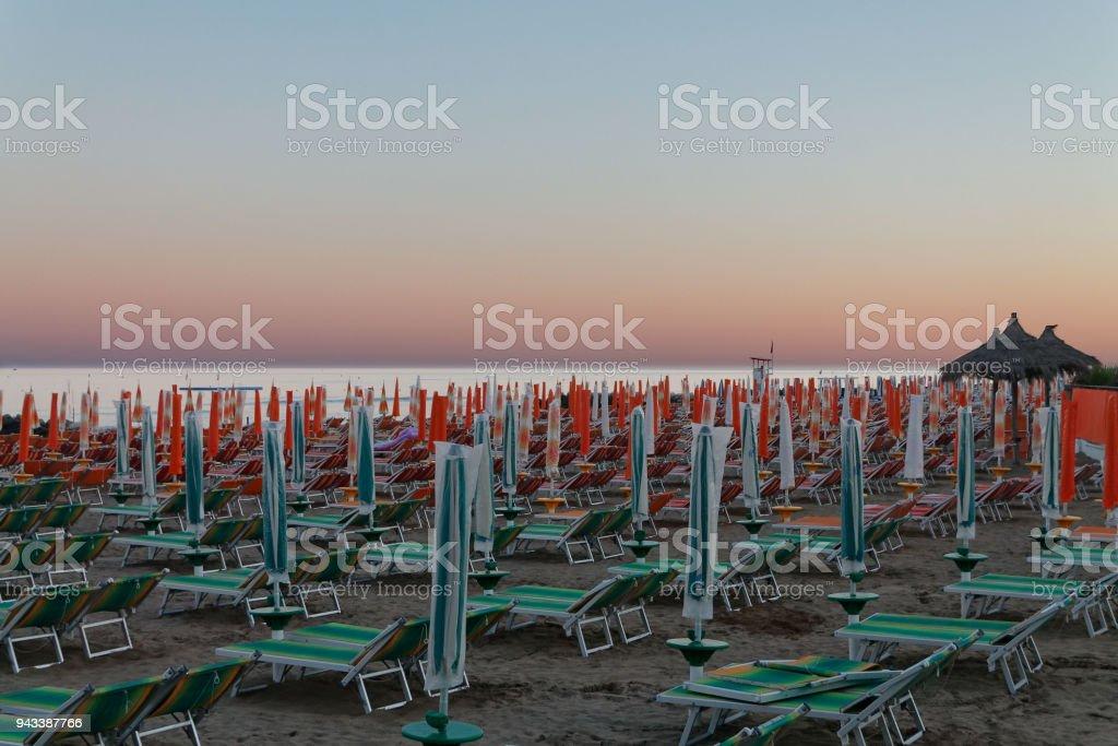 Tramonto in spiaggia - foto stock