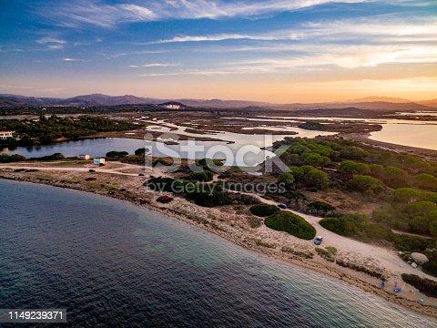 Spettacolare tramonto nel golfo di Olbia con vist dell Mater Olbia, le paludi delle saline di Olbia e il lido del sole