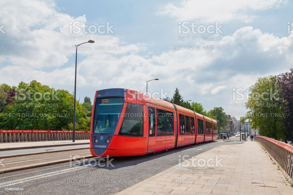 Tramway crossing the Vesle Bridge - Royalty-free Bridge - Built Structure Stock Photo