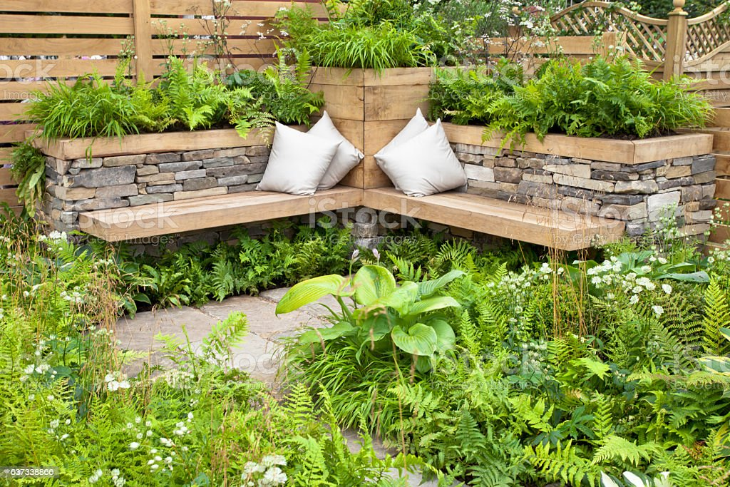 Tranquil area in a garden – Foto