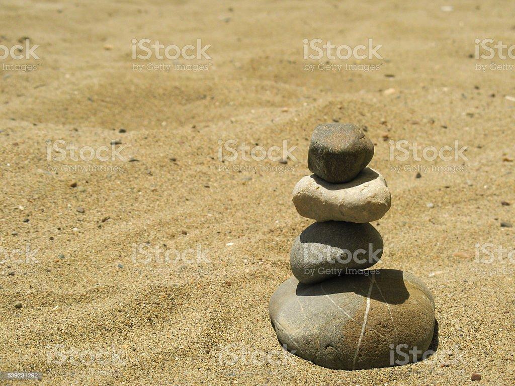 Tranquilidad cálculos en la playa foto de stock libre de derechos