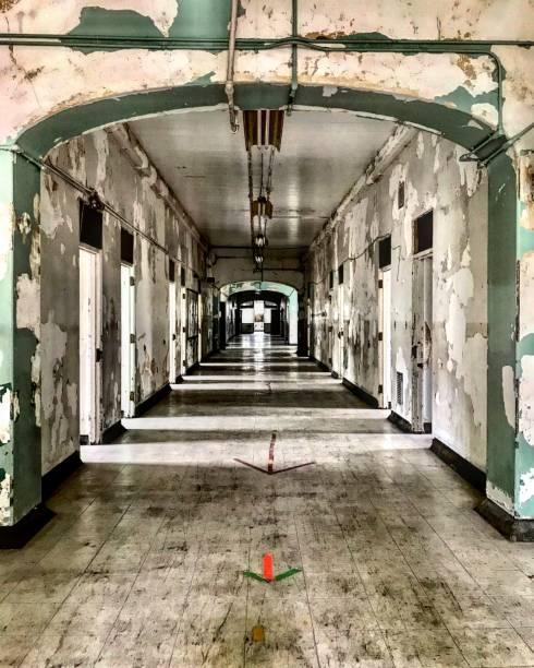 trans allegheny lunatic asylum - ward de fantômes - hopital psychiatrique photos et images de collection
