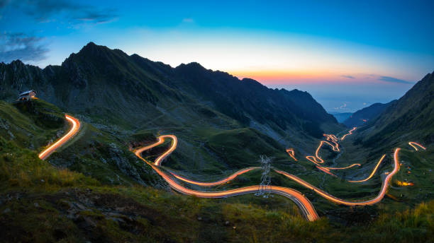 transfagarasan road, most spectacular road in the world - romania foto e immagini stock