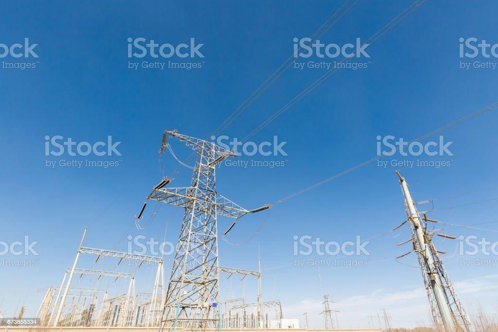 transformer substation over blue sky photo libre de droits