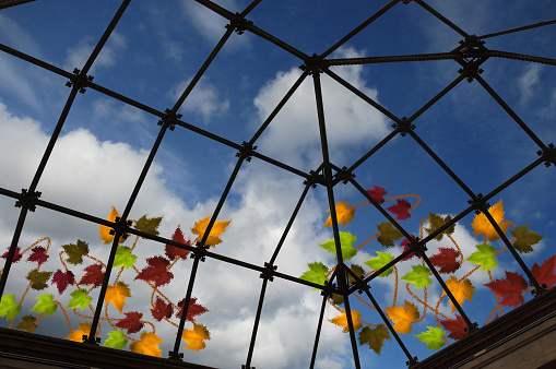 Translucent Glass Eiling Of A Veranda Inside View - Fotografie stock e altre immagini di Ambientazione interna