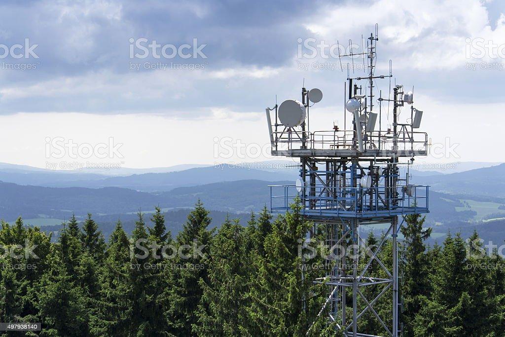 Transmitters und Luftaufnahmen auf der Telekommunikation tower – Foto