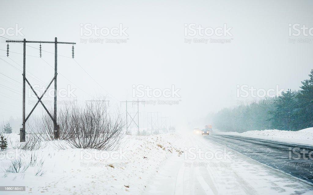 Транспорт на шоссе в «Снежная буря» стоковое фото