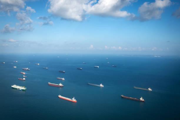 Transport ships at the ocean singapore picture id936252000?b=1&k=6&m=936252000&s=612x612&w=0&h=jpctrfpiop2kcmzbz2kjwyfghpd9nsq5txwemuzrnpe=