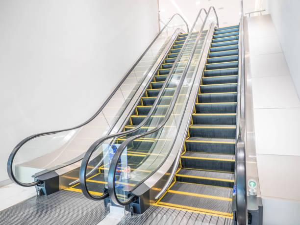 transportation photos - escalator foto e immagini stock