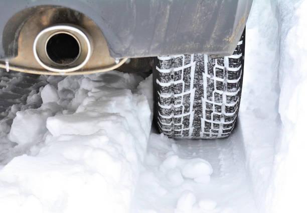 vervoer, sneeuw tractie #4 - tractieapparaat stockfoto's en -beelden