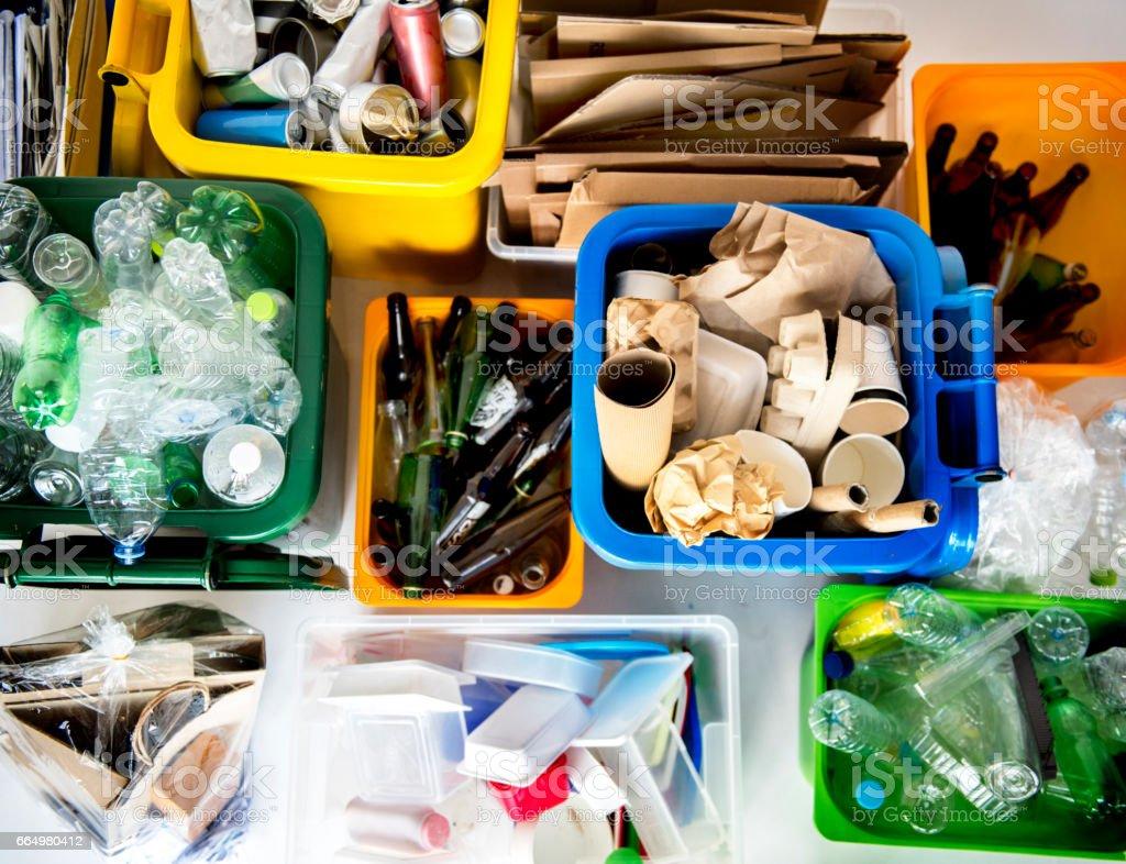 De basura para reciclar y reducir la ecología medio ambiente - foto de stock