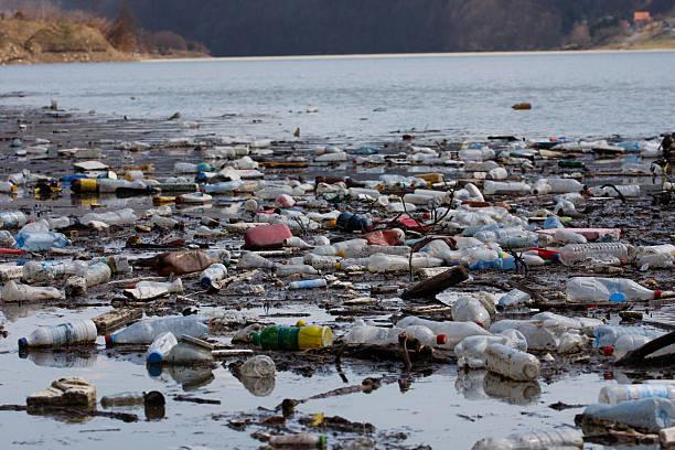 Trash in the river picture id499096345?b=1&k=6&m=499096345&s=612x612&w=0&h=49plji 1axblmtkvuij0pntv6ezblr4s 6fgn3w6r0q=
