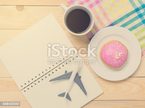 istock Travel Blogger Open book for copy space in vintage tone 546432542