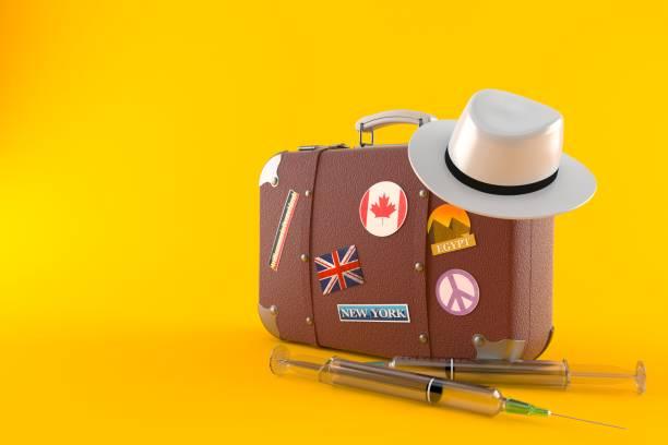 reise-etui mit spritze - travel vaccination stock-fotos und bilder