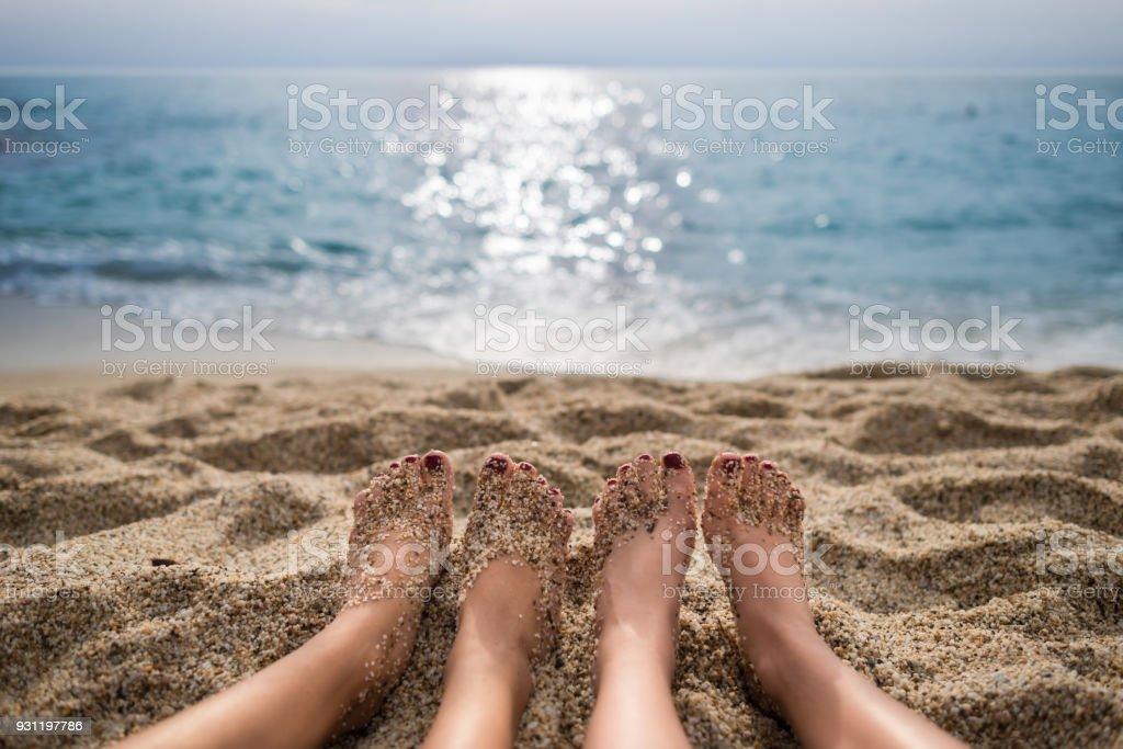 Seyahat kavramı. Deniz ve gökyüzü sahilde doğal görünümünden stok fotoğrafı