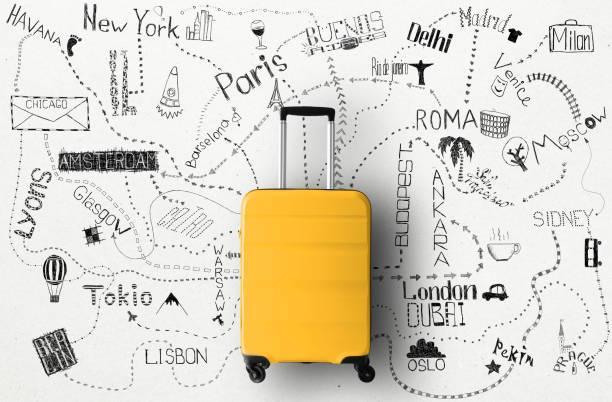 Reisekonzept mit großem Koffer – Foto