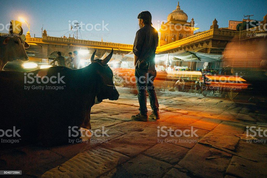 A Jodhpur street before sunset.