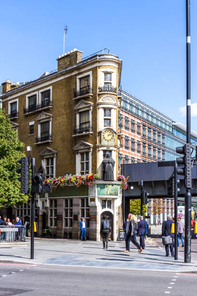 Travel London London  - September 05 2019: People walking on the streets and sidewalks near the Black Friar pub building, London September 05,  2019 friar stock pictures, royalty-free photos & images