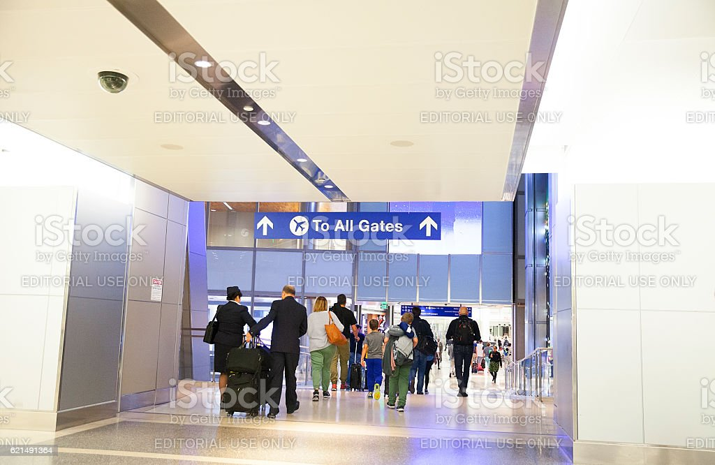 Travelers at the international airport. Paris, France, photo libre de droits
