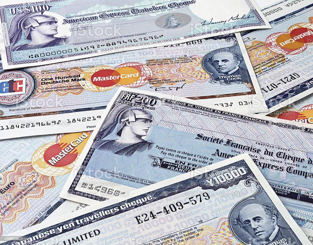 Los cheques de viajero de la tarjeta de AMEX y datos maestros - foto de stock