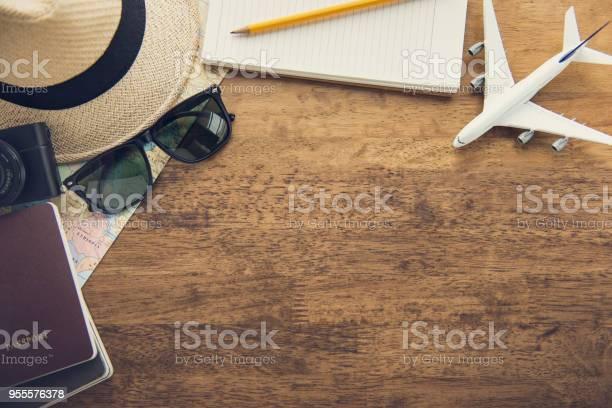 Traveling gadgets on wood table background top view border design picture id955576378?b=1&k=6&m=955576378&s=612x612&h=xekiewnkl iawbixau8sxcriguajuygxosog 31u1ra=