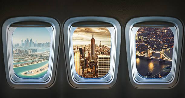 世界を旅行し、飛行機 ストックフォト