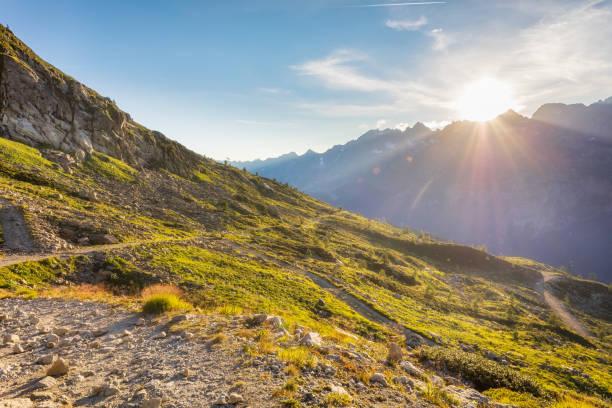 Reisen in die schönen französischen Alpen im Sommer – Foto