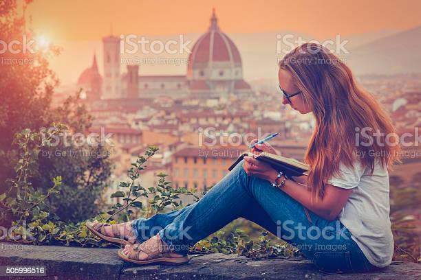 Traveller in florence picture id505996516?b=1&k=6&m=505996516&s=612x612&h=wa6yma6afw0txul47ar3gnx2 rxxlumgcz3uksklf0o=