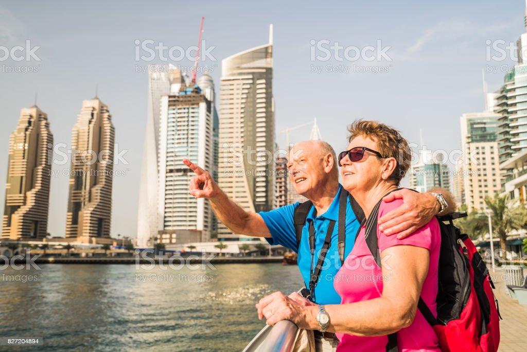 Fotografía de Viajar A Oriente Medio Pareja De Turistas Senior En ...
