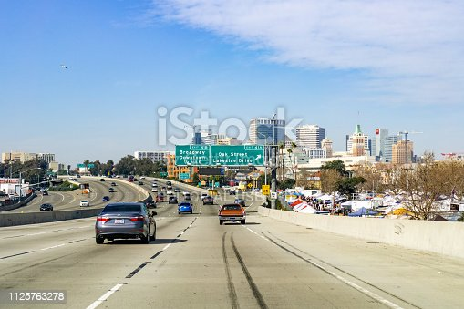 istock Travelling towards downtown Oakland 1125763278