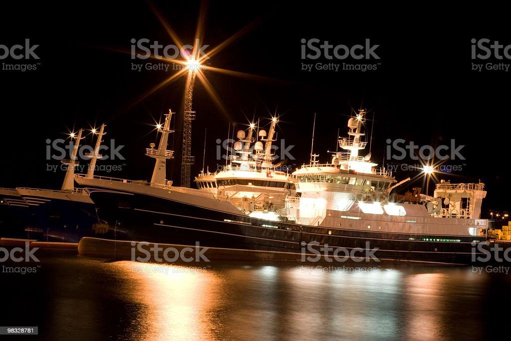 Trawlers 포트 야간에만 royalty-free 스톡 사진