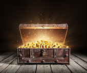 istock Treasure Chest - Open Ancient Trunk With Golden Coins 1161351845