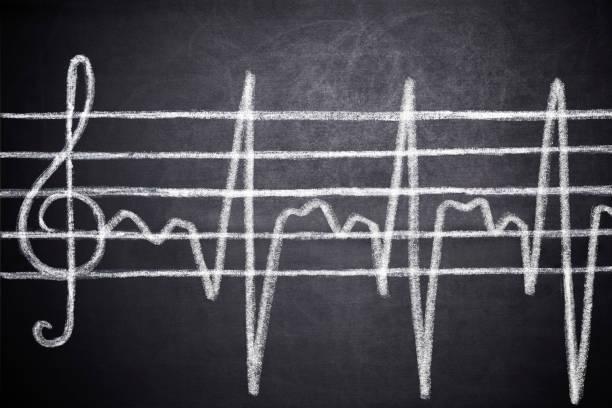 treble clef, and cardiogram line - pięciolinia zdjęcia i obrazy z banku zdjęć