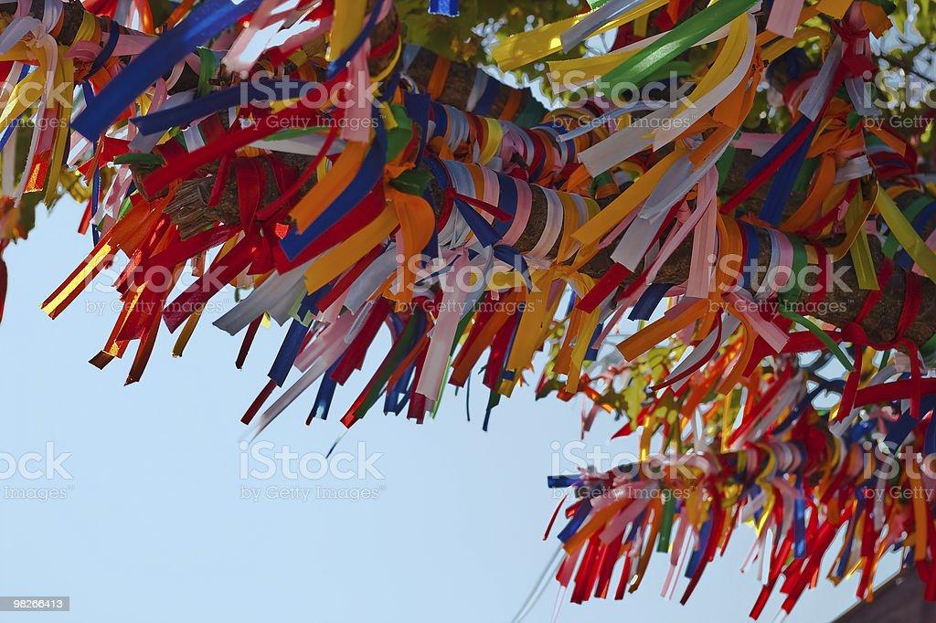 Albero colorato con nastri foto stock royalty-free