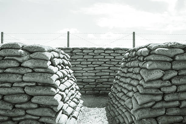 trench of death sandbags world war one - greppel stockfoto's en -beelden