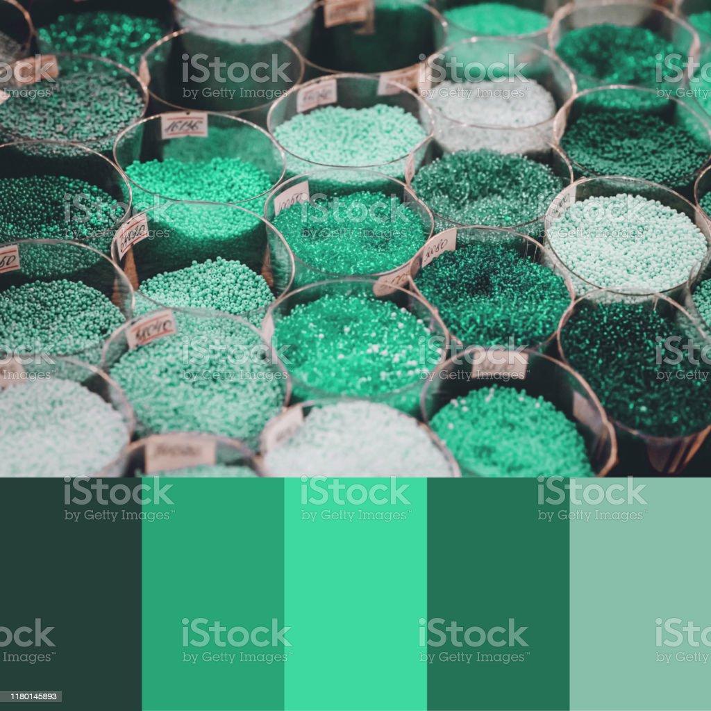 Trend 2020 Farbpalette Mit Bunten Perlen Collage Mit Neo Mint Turkis Grun Farben Swatch Stockfoto Und Mehr Bilder Von 2020 Istock