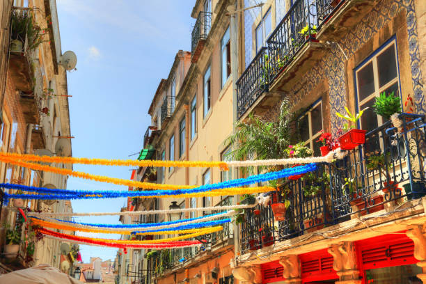 lisbon, portugal-october 2017: trendy bistro in historic part of lisbon - lisbona foto e immagini stock