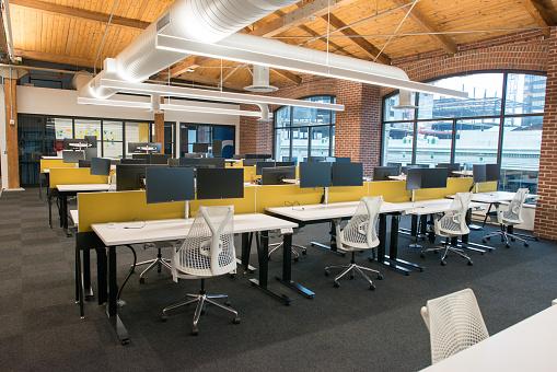 Modaya Uygun Modern Açık Konsept Loft Ofis Alanı Ile Büyük ...